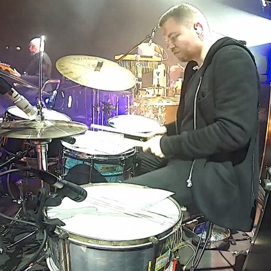 Drummer Michał Bryndal live with Voo Voo