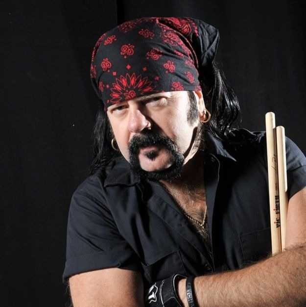 Rex Brown and Hellyeah Pay Tribute To Vinnie Paul