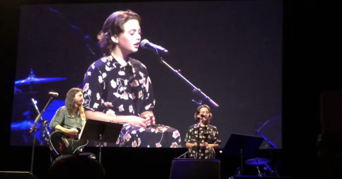 "Dave and Violet Grohl performing Adele's ""When We Were Young"""