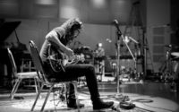 "Dave Grohl Announces Solo Project ""Play"""