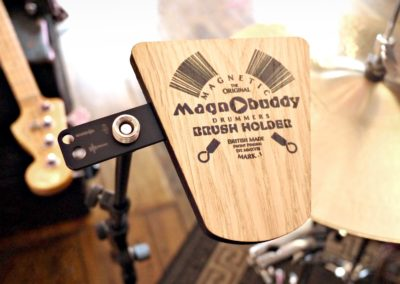 Magnobuddy - magnetic brush holder